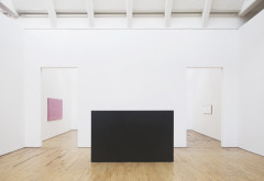 Truitt, Installation view